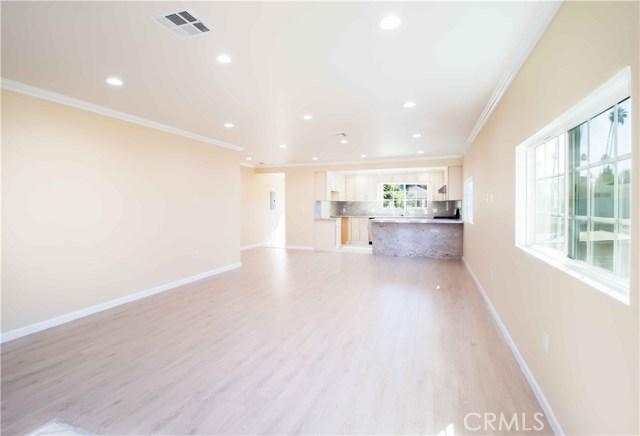 1844 N Van Ness Avenue, Los Angeles CA: http://media.crmls.org/mediascn/f37f6a2f-c7e0-4ad5-85f6-c6b6e445558c.jpg