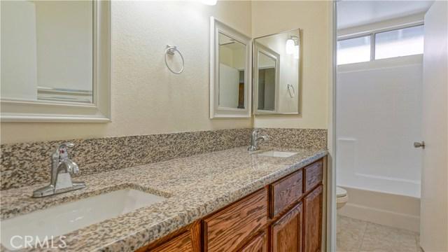 44919 Fenhold Street, Lancaster CA: http://media.crmls.org/mediascn/f39603fe-d88a-4077-8a33-3128d9ed0a2a.jpg