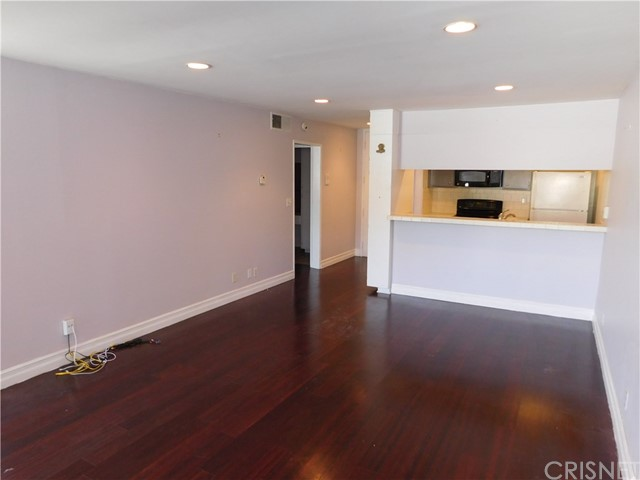Additional photo for property listing at 1230 N Sweetzer Avenue  West Hollywood, California 90069 United States