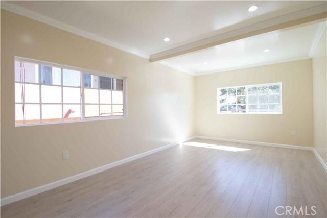 1844 N Van Ness Avenue, Los Angeles CA: http://media.crmls.org/mediascn/f3e3a7e6-8054-4911-a2e5-d8bf387a99fb.jpg