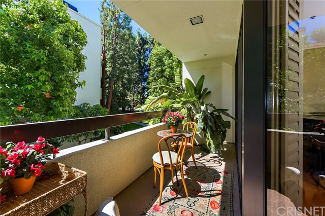 2112 Century Park Lane, Los Angeles, California 90067, 2 Bedrooms Bedrooms, ,2 BathroomsBathrooms,For Sale,Century Park,SR20102705