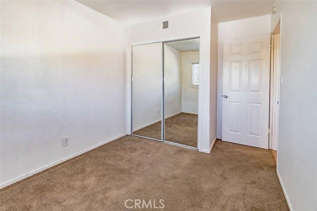 890 Vinton Court, Thousand Oaks CA: http://media.crmls.org/mediascn/f4678153-fc9e-403d-b35a-dfb3551e6ade.jpg