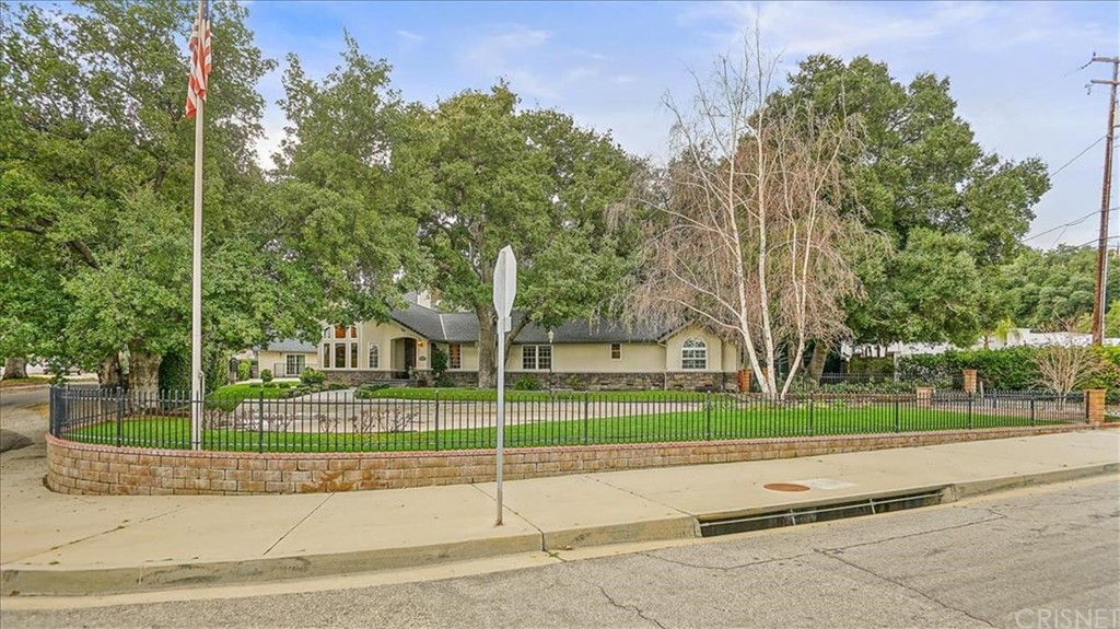 Photo of 23410 MAPLE STREET, Newhall, CA 91321