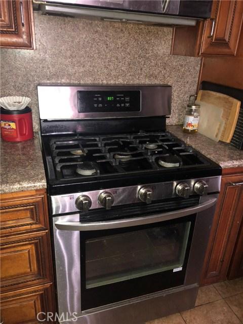 11750 214th Street, Lakewood CA: http://media.crmls.org/mediascn/f4842b8c-4fb2-4b28-a926-4bc609f2e9d7.jpg