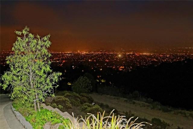 1175 San Clemente Way, Camarillo CA: http://media.crmls.org/mediascn/f49cc436-6e42-4c2a-8010-c3d34307c452.jpg