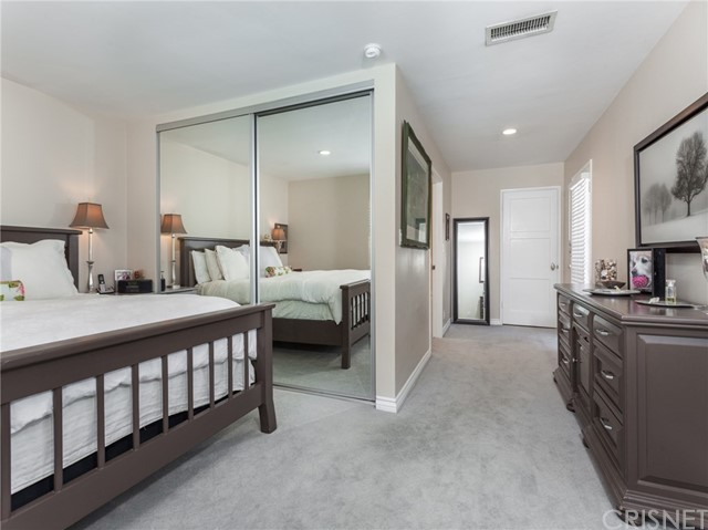 13207 Weddington Street, Sherman Oaks CA: http://media.crmls.org/mediascn/f4a71fd9-cde7-47ec-a592-0c3be7c15434.jpg