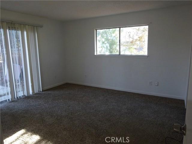 17308 Valeport Avenue, Lancaster CA: http://media.crmls.org/mediascn/f4b981a5-f2f6-4de7-a6be-dd236ba19764.jpg