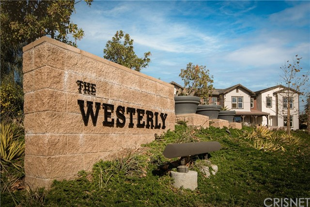 Detail Gallery Image 1 of 37 For 145 Farmhouse Dr #4,  Simi Valley,  CA 93065 - 4 Beds | 1/1 Baths