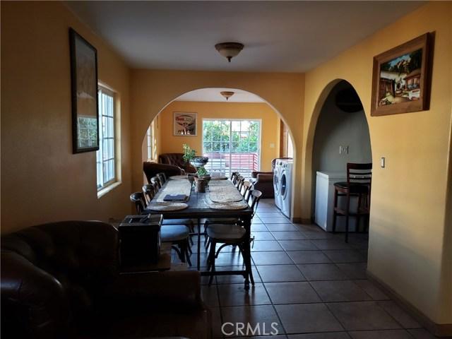 12479 Bradley Avenue, Sylmar CA: http://media.crmls.org/mediascn/f51da2e5-3981-4685-8eab-24eee5cb38b6.jpg