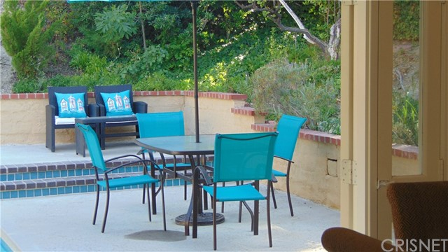 23704 Sandalwood Street, West Hills CA: http://media.crmls.org/mediascn/f571ff49-d75c-4f4d-a373-8ac586d5cbcd.jpg