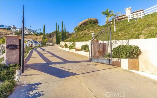 6 Morgan Road, Bell Canyon CA: http://media.crmls.org/mediascn/f5cb6a60-6ffa-4a55-8dcc-a33792095819.jpg