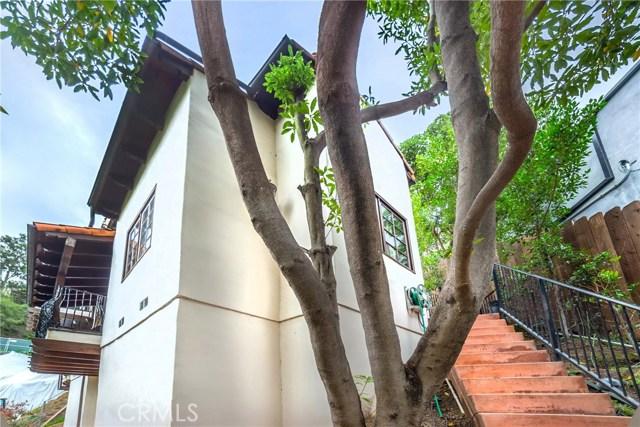 2975 Hollyridge Drive, Los Angeles CA: http://media.crmls.org/mediascn/f656a43f-30d7-49a1-bda1-bf76e44ccd73.jpg