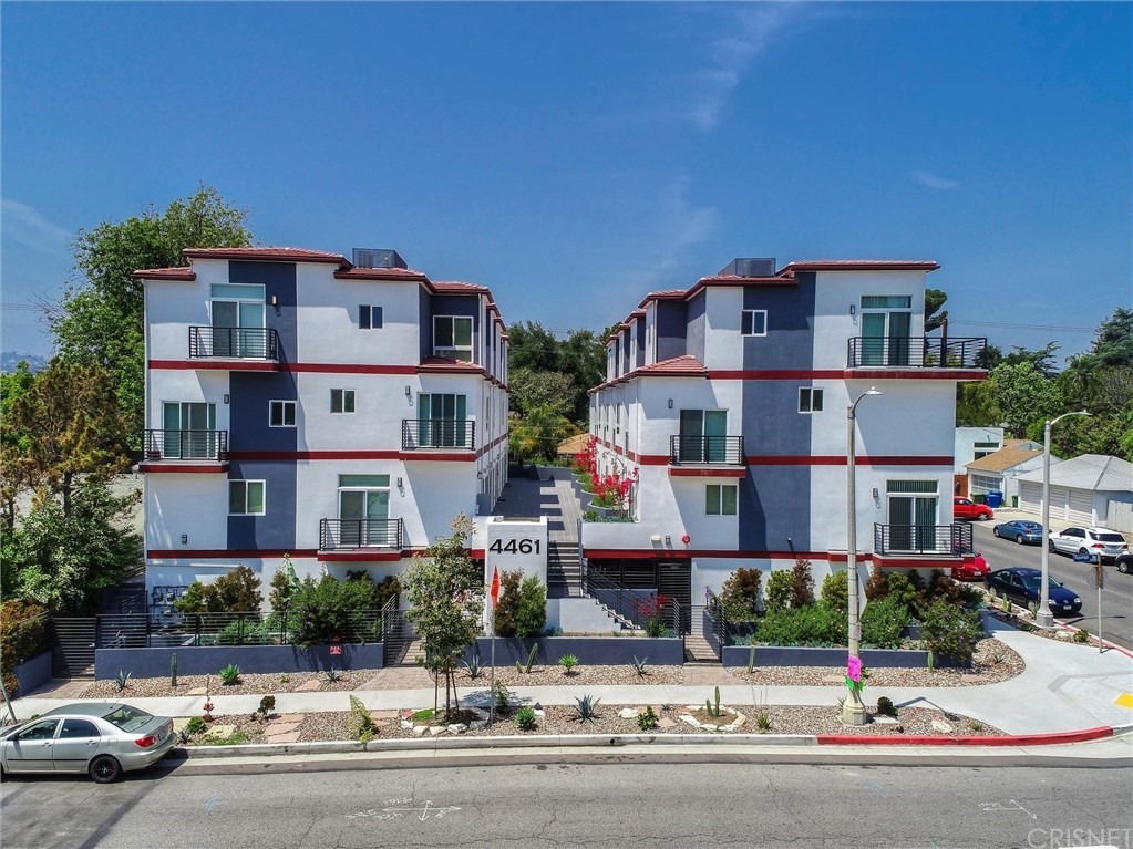 4461 Tujunga Avenue # 102