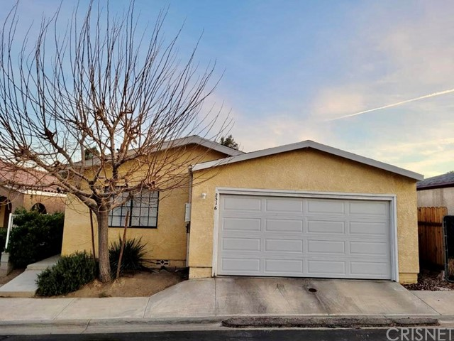 Detail Gallery Image 1 of 13 For 2316 E Valley Vi,  Rosamond,  CA 93560 - 2 Beds | 2 Baths