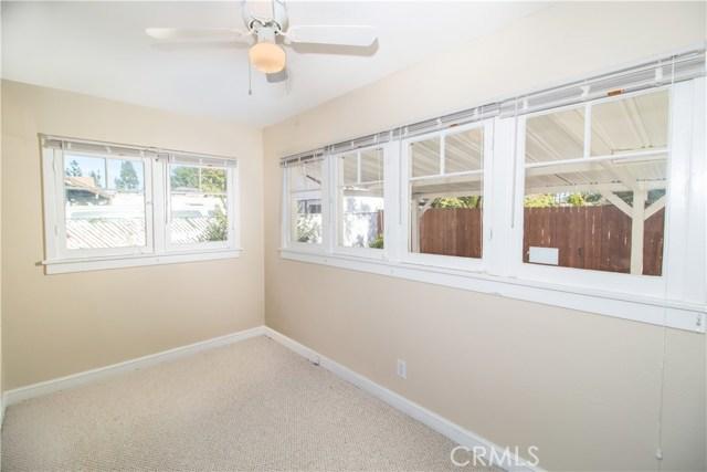7500 Owensmouth Avenue, Canoga Park CA: http://media.crmls.org/mediascn/f720fbe4-ec18-4a0d-b778-949aac4f7713.jpg