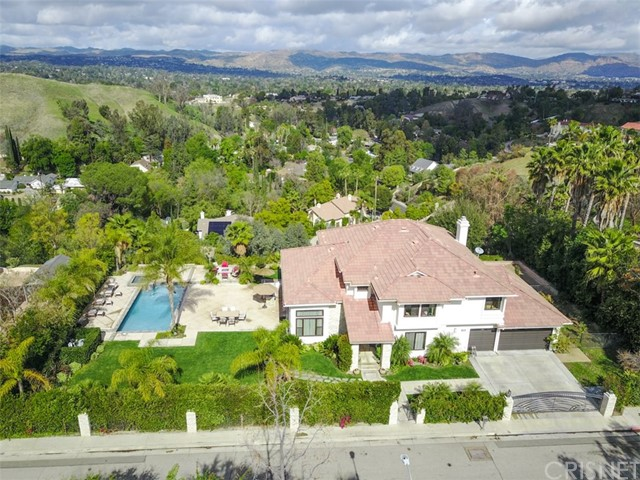 Single Family Home for Sale at 4753 Azucena Road 4753 Azucena Road Woodland Hills, California 91364 United States