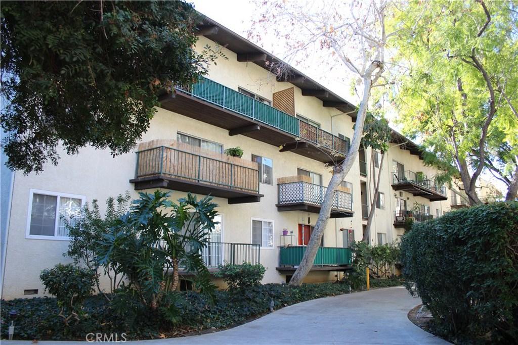 Photo of 5460 WHITE OAK AVENUE #J302, Encino, CA 91316