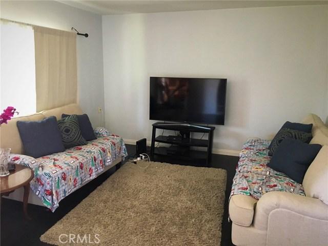 Casa Unifamiliar por un Venta en 9958 Arleta Avenue Arleta, California 91331 Estados Unidos