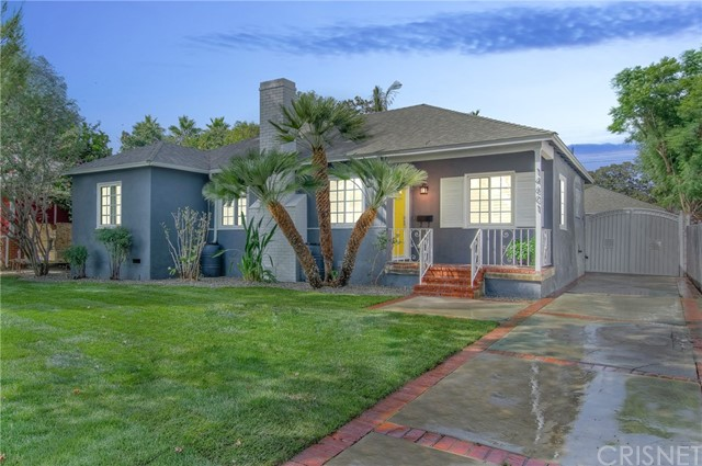 14601 La Maida Street, Sherman Oaks CA: http://media.crmls.org/mediascn/f77c7e88-2d82-46bb-abdd-efc1711a1d5d.jpg