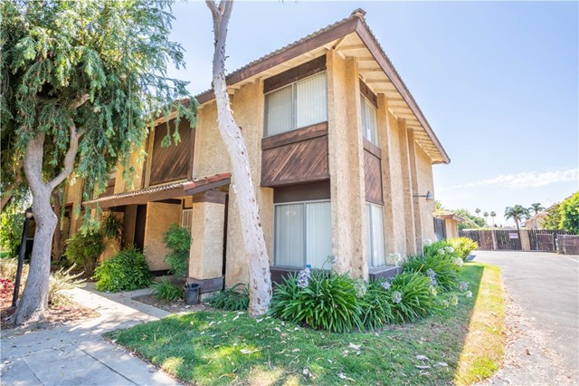 8347 Burnet Avenue Unit 12 North Hills, CA 91343 - MLS #: SR18165766