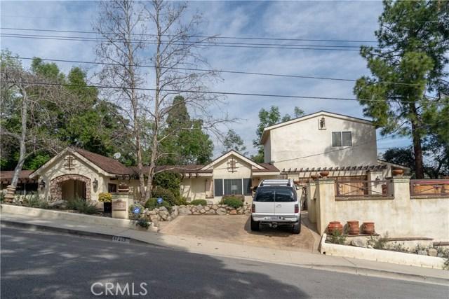 17219 Warrington Drive, Granada Hills CA: http://media.crmls.org/mediascn/f7cd316f-6cdb-451b-8232-34b958ed906f.jpg