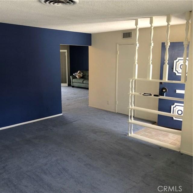 6622 Franrivers Avenue, West Hills CA: http://media.crmls.org/mediascn/f7ea25c0-2275-47e7-8f80-70018cf2b5b8.jpg