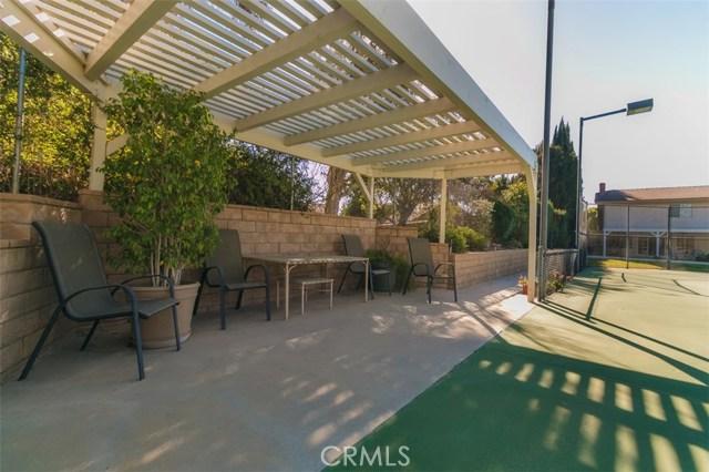 22109 Germain Street, Chatsworth CA: http://media.crmls.org/mediascn/f80cbcc7-fc8a-4203-84d1-8e600a944ffb.jpg