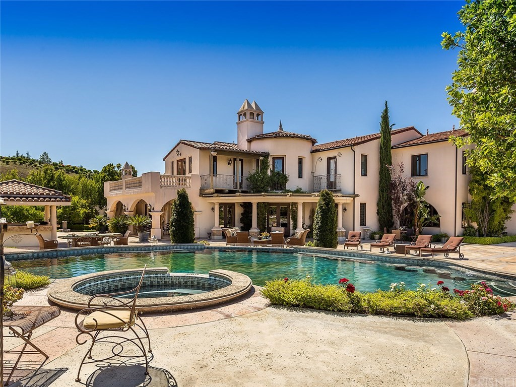 The oaks of calabasas an exclusive calabasas guard gated for Homes for sale in calabasas gated community