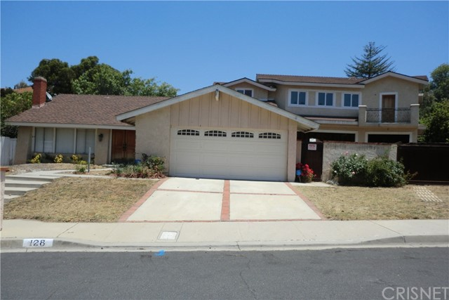 Single Family Home for Sale at 128 Greenmeadow Avenue Newbury Park, California 91320 United States