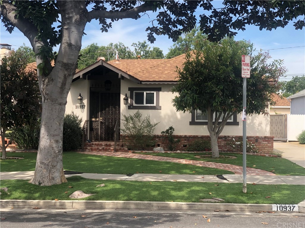 Photo of 10937 BARMAN AVENUE, Culver City, CA 90230