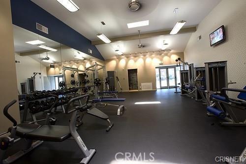 5525 Canoga Avenue, Woodland Hills CA: http://media.crmls.org/mediascn/f87b097d-73d2-4ce9-8cd2-e7b7b57b41ee.jpg
