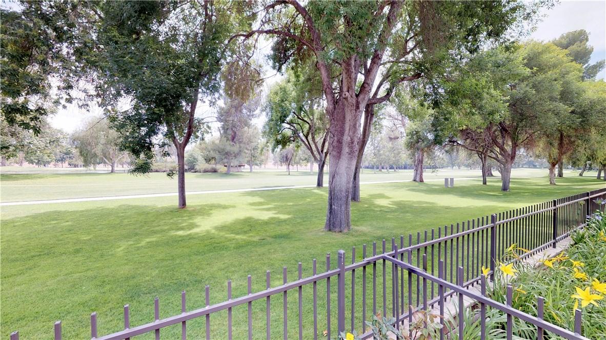 26803 Seurat Lane, Valencia CA: http://media.crmls.org/mediascn/f87f3a88-770c-4c19-a492-79b936ef6246.jpg