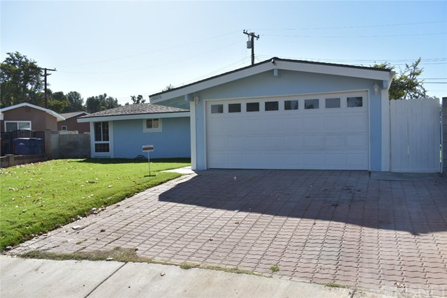 19006 Calla Way, Canyon Country CA: http://media.crmls.org/mediascn/f8cca13b-3134-4af2-8e59-a1240e03714c.jpg