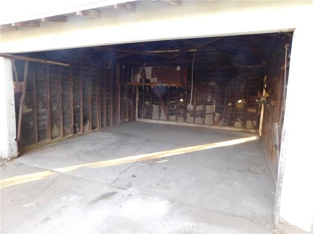 Additional photo for property listing at 12721 Bradley Avenue 12721 Bradley Avenue Sylmar, California 91342 United States