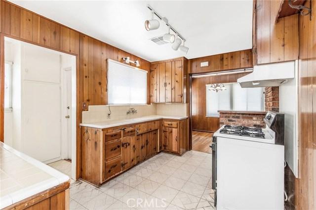 14322 Collins Street, Van Nuys CA: http://media.crmls.org/mediascn/f9503822-c829-4d94-b2fd-8f6262a625b9.jpg