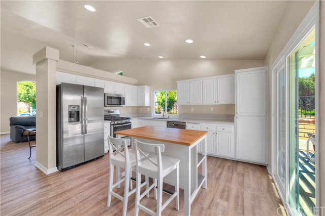 28004 Rainier Rd, Castaic, CA 91384 Photo