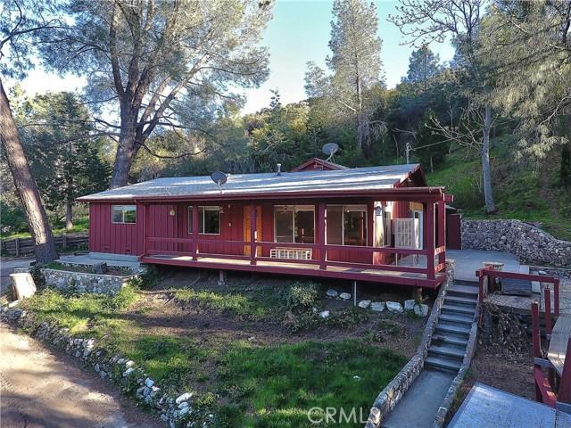 20872 Pine Canyon Road, Lake Hughes CA: http://media.crmls.org/mediascn/f9816632-5698-497c-b5a7-b8bbc632201b.jpg