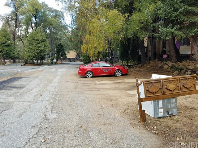 0 Pine Dr. and Dart Cany Road, Crestline CA: http://media.crmls.org/mediascn/f9c4773a-bd04-4813-b21a-5c993060294e.jpg
