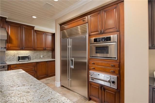 1495 Cheviot Hills Court, Westlake Village CA: http://media.crmls.org/mediascn/f9c92d31-9af1-43cb-be5e-885a39361d2a.jpg