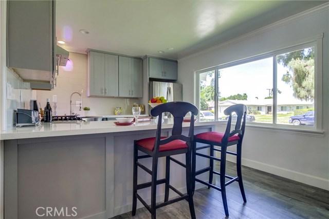 10426 Yolanda Avenue, Northridge CA: http://media.crmls.org/mediascn/f9d5962b-a75d-40f7-b406-8c236e2e14a8.jpg