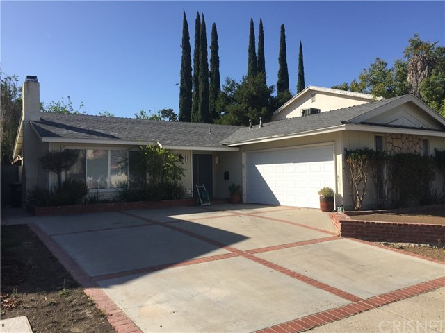 Great Agoura Hills Fixer!! This terrific 3 bedroom, 2 bath, nearly 1400 sq ft home needs some work, but what an amazing house this could be!! Featuring spacious single story design, double door entry, cozy fireplace in living room, large kitchen, french doors to private backyard with in ground spa, 2 car attached garage with direct access, large swept driveway and much, much more!! Located close to award winning schools, shopping and the 101 freeway. Amazing house at an amazing price!!
