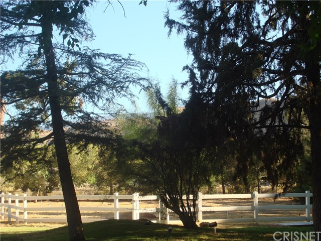 2011 Carson Mesa Road, Acton CA: http://media.crmls.org/mediascn/f9f7e949-98aa-49e4-9a70-d128334a30f1.jpg
