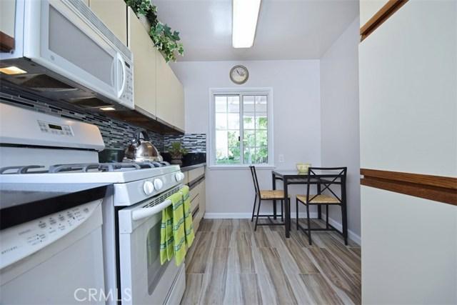 5825 Lemona Avenue, Sherman Oaks CA: http://media.crmls.org/mediascn/fa0b9c14-7002-48fa-ac45-91cf629861cd.jpg