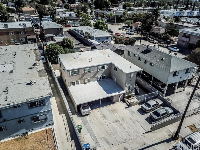 6708 Irvine Avenue, North Hollywood CA: http://media.crmls.org/mediascn/fa26b328-77d5-4e78-883b-1527db1b6b1e.jpg