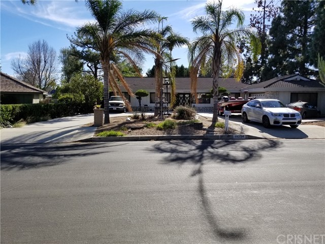 Single Family Home for Sale at 19254 Superior Street 19254 Superior Street Northridge, California 91324 United States