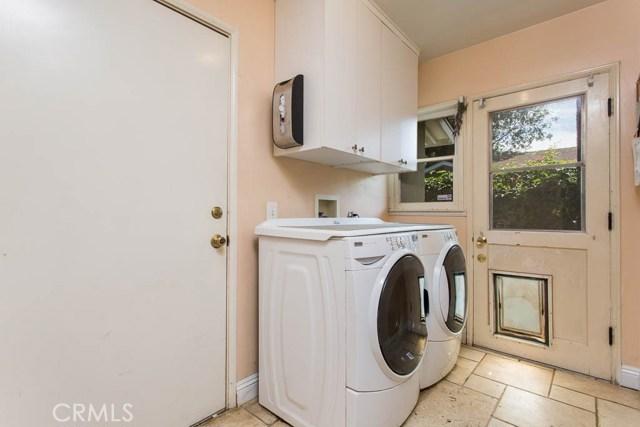 14331 Killion Street, Sherman Oaks CA: http://media.crmls.org/mediascn/faba86b6-728e-4129-aa4f-ab1ac3db32d6.jpg