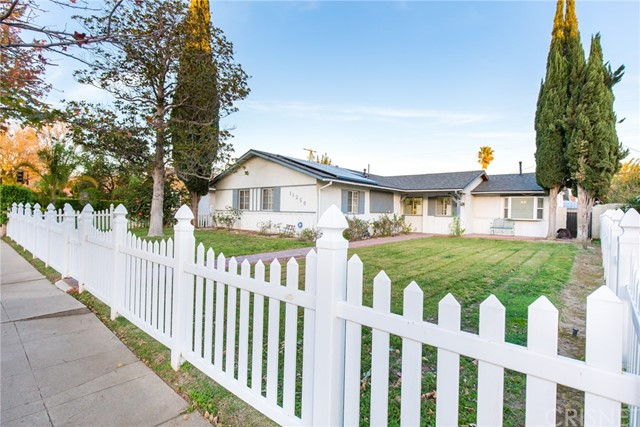 Single Family Home for Sale at 11250 Woodley Avenue 11250 Woodley Avenue Granada Hills, California 91344 United States