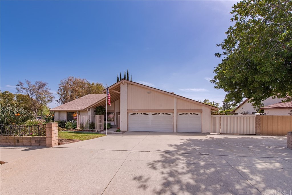 19900     Lemarsh Street, Chatsworth CA 91311