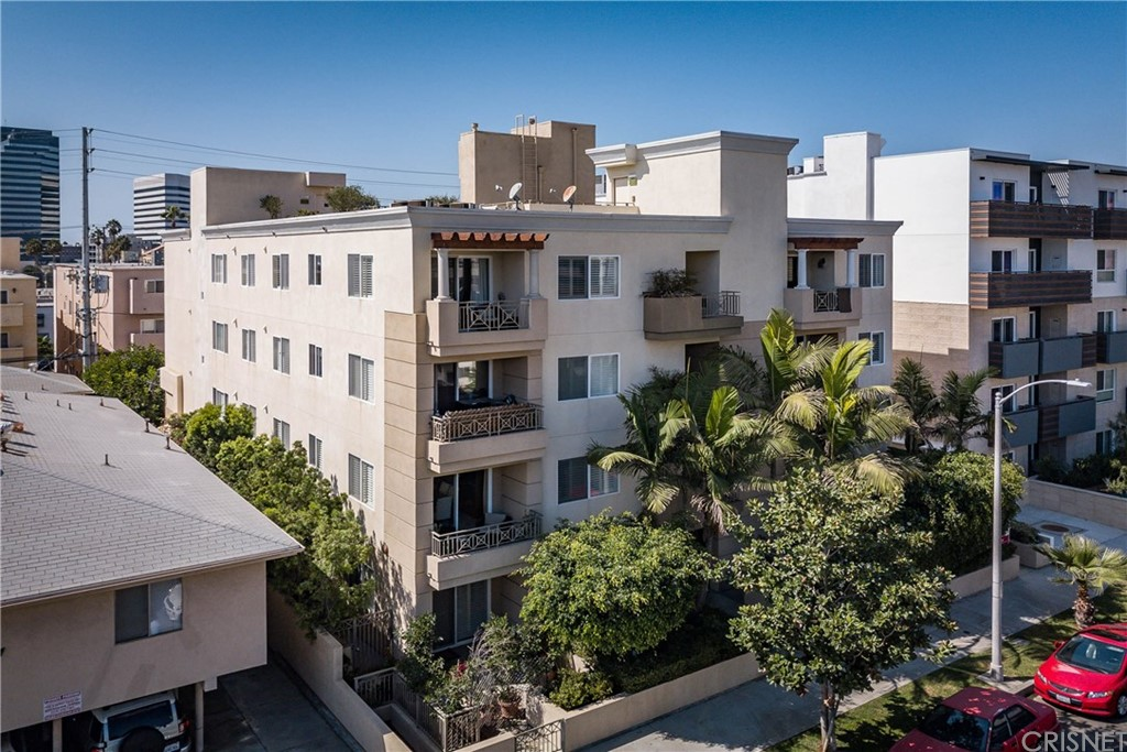Property for sale at 1241 SOUTH WESTGATE AVENUE #102, West Los Angeles,  CA 90025
