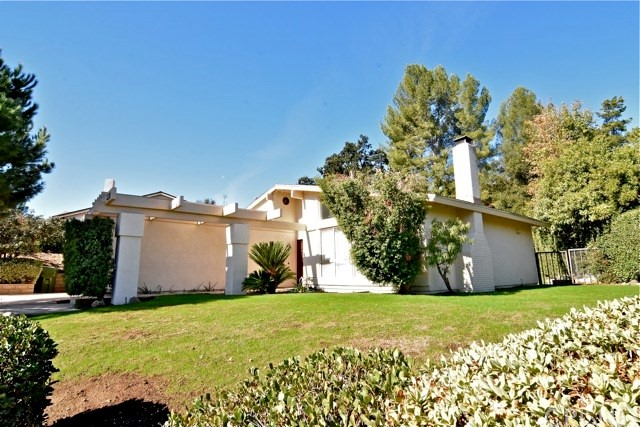 Single Family Home for Rent at 5473 Softwind Way 5473 Softwind Way Agoura Hills, California 91301 United States